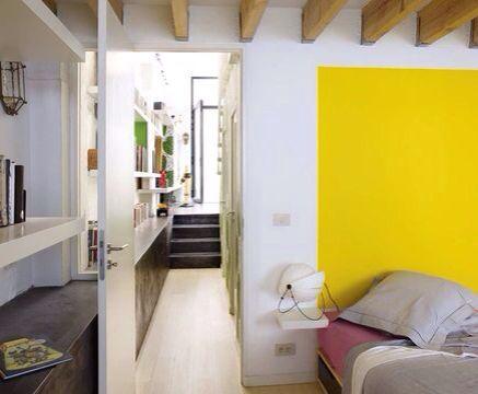 Bonne idée de peindre un carré ou rectangle de couleur plutôt qu'un mur entier.