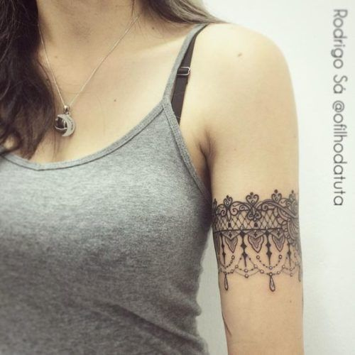 Henna Armband Tattoo: Jewelry-inspired-arm-band-mehndi-pattern