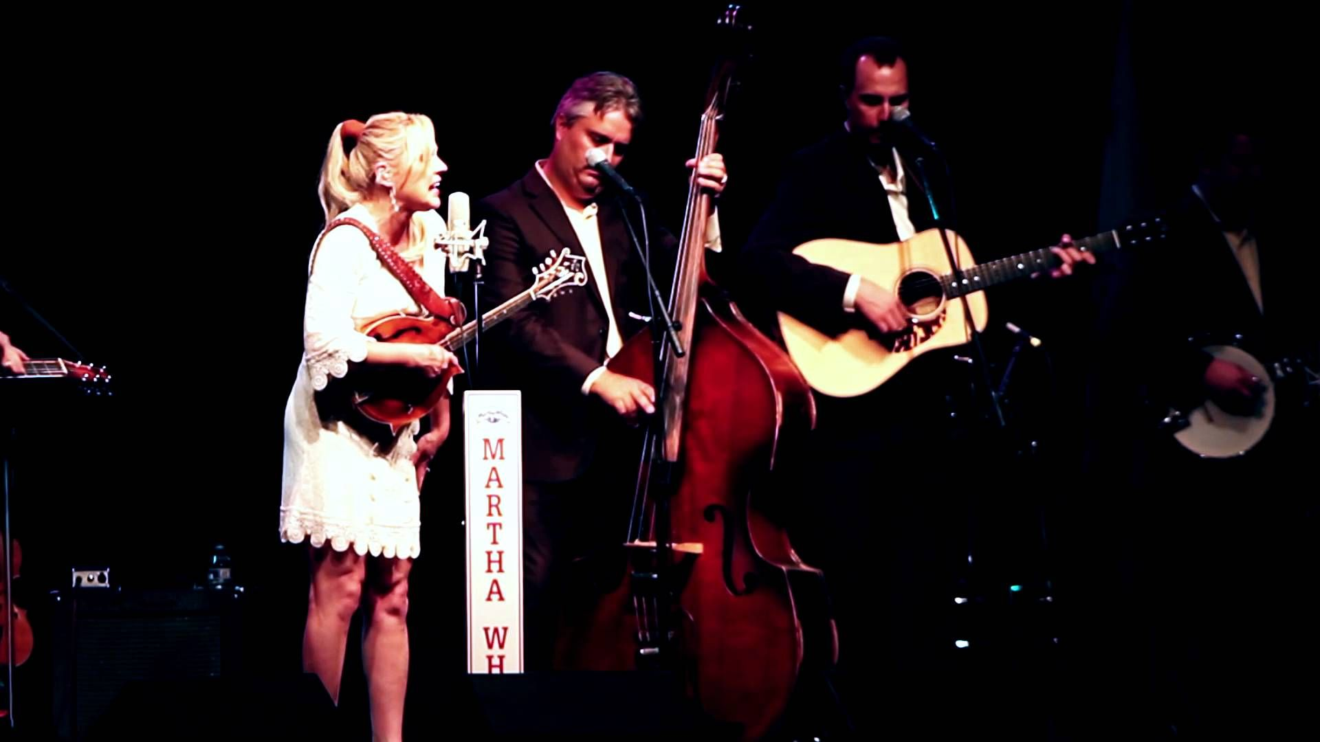 "Rhonda Vincent and the Rage Live -""When the Grass Grows Over Me"""