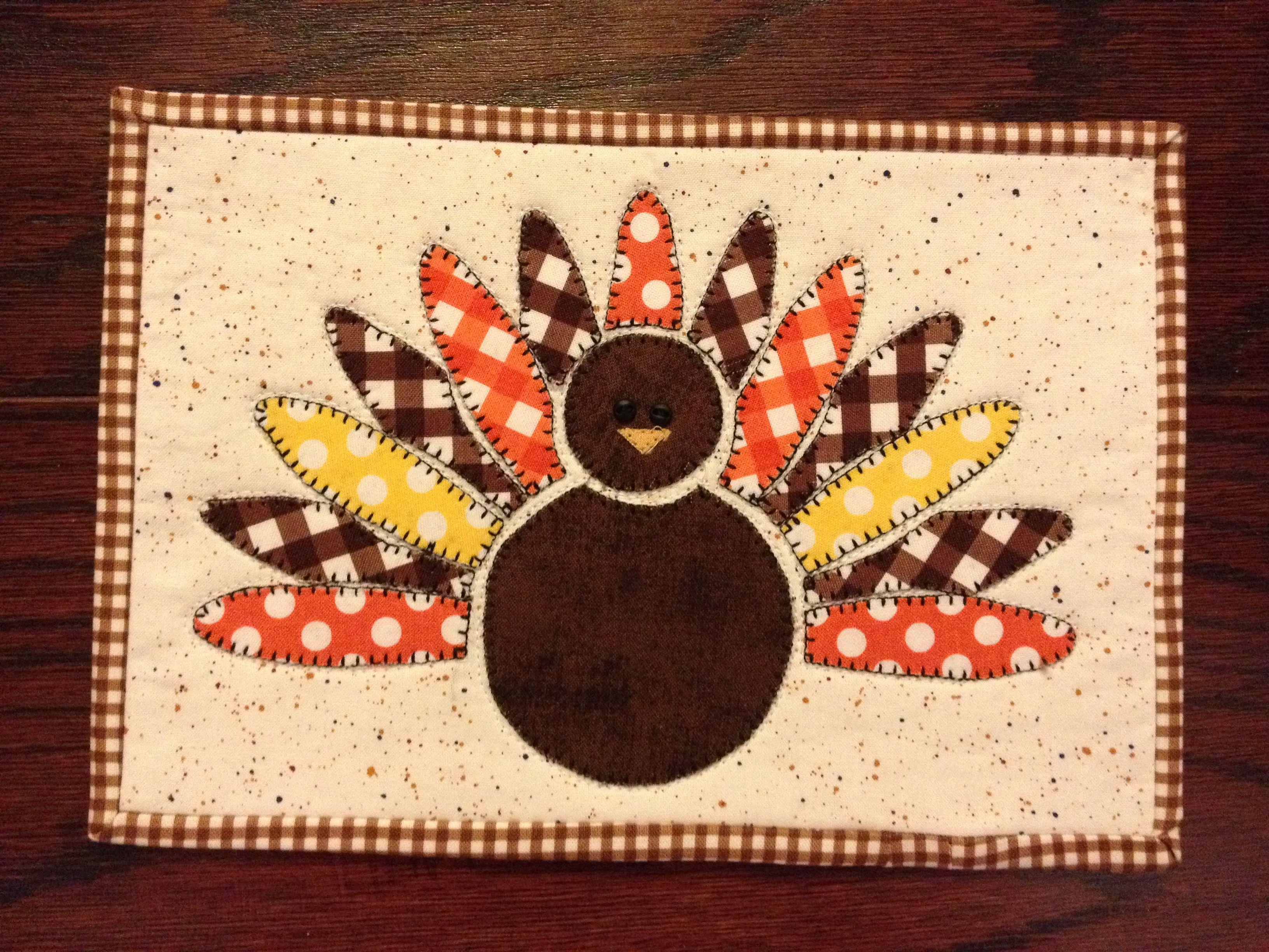 Free Turkey Gobble Mug Rug Tutorial and Free Thanksgiving Printables : free thanksgiving quilt patterns - Adamdwight.com