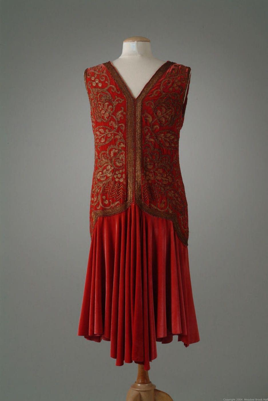 Dinner Dress Of Ruby Silk Velvet With A Flared Skirt 05