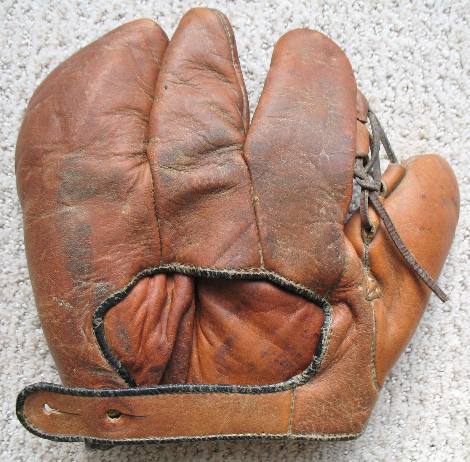 Recycled baseball glove wallet - Early Ed Rose Brand Lutzke Bee Sting Style Baseball Glove Buffalo Ny Antique Old