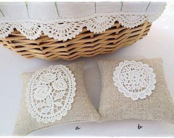 Appx formato 9 cm x 9 cm    Questi cuscini abbastanza sono realizzati a mano con tessuto di tela di cotone giapponese e sono riempiti con