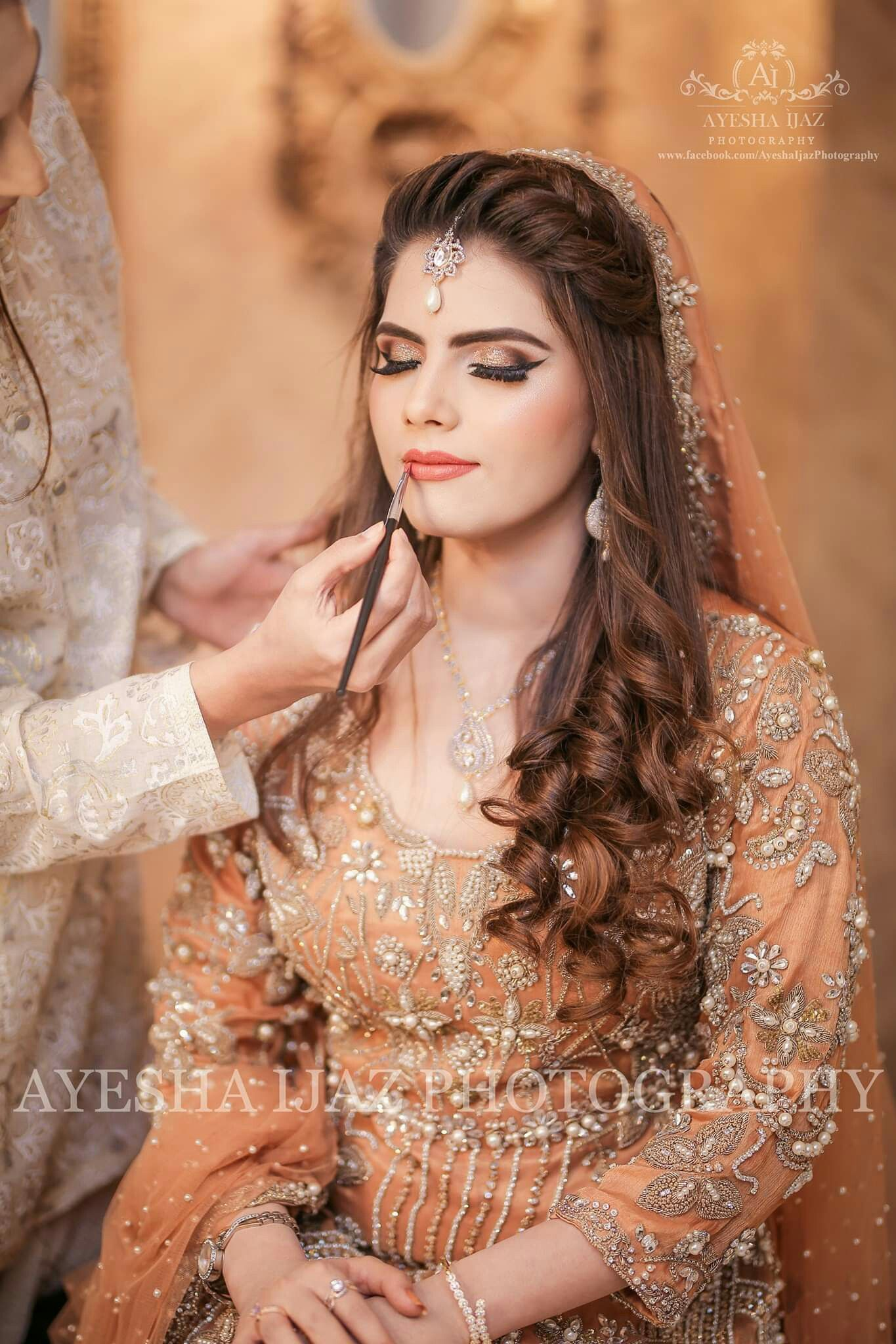 Walima Bridal Makeup In 2020 Front Hair Styles Pakistani Bridal Hairstyles Hairstyles For Gowns