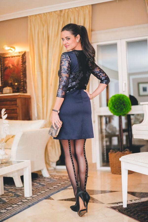 09a74d68ca Vestido cóctel Strena cocktail dress vestido azul noche look de fiesta para  una cena evening outfit medias Wolford tights Crimenes de la Moda blog