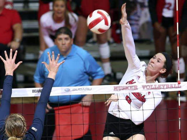 Huskers Win 14th Straight Match With Sweep Of Iowa University Of Nebraska Iowa University Nebraska High School Sports