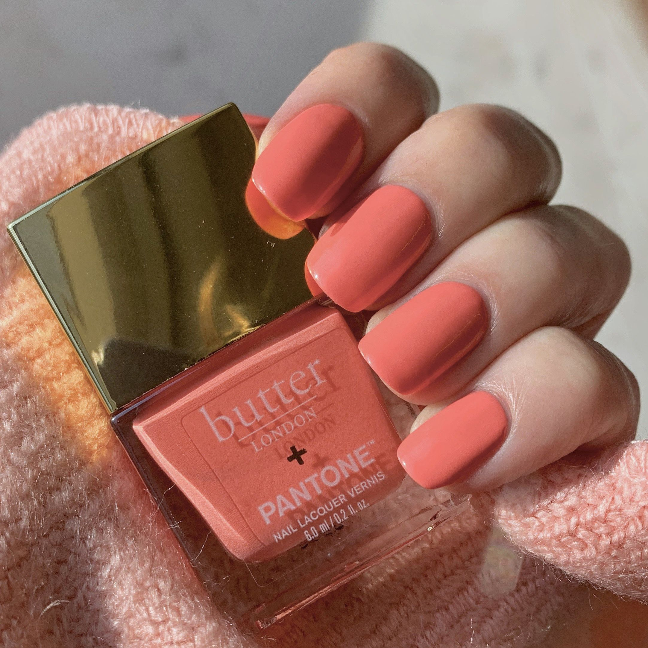 Living My Best Life In Living Coral The 2019 Pantone Color Of The