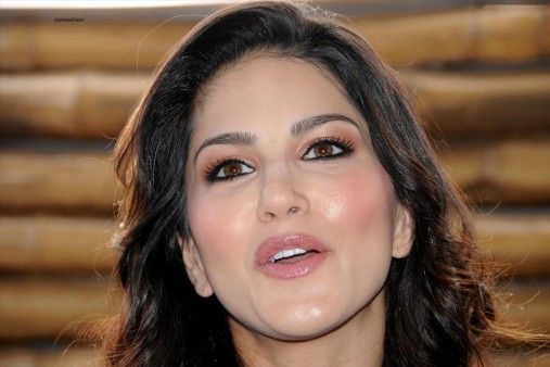 Sunny Leone Beautiful Face Hd Wallpaper Nicehdwall Actresses