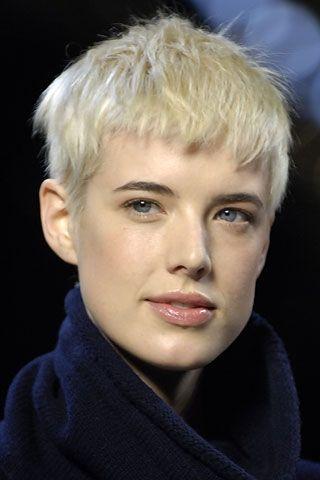 Agyness Deyn Hair Style Icon Fryzura W 2019 Fryzura I Włosy