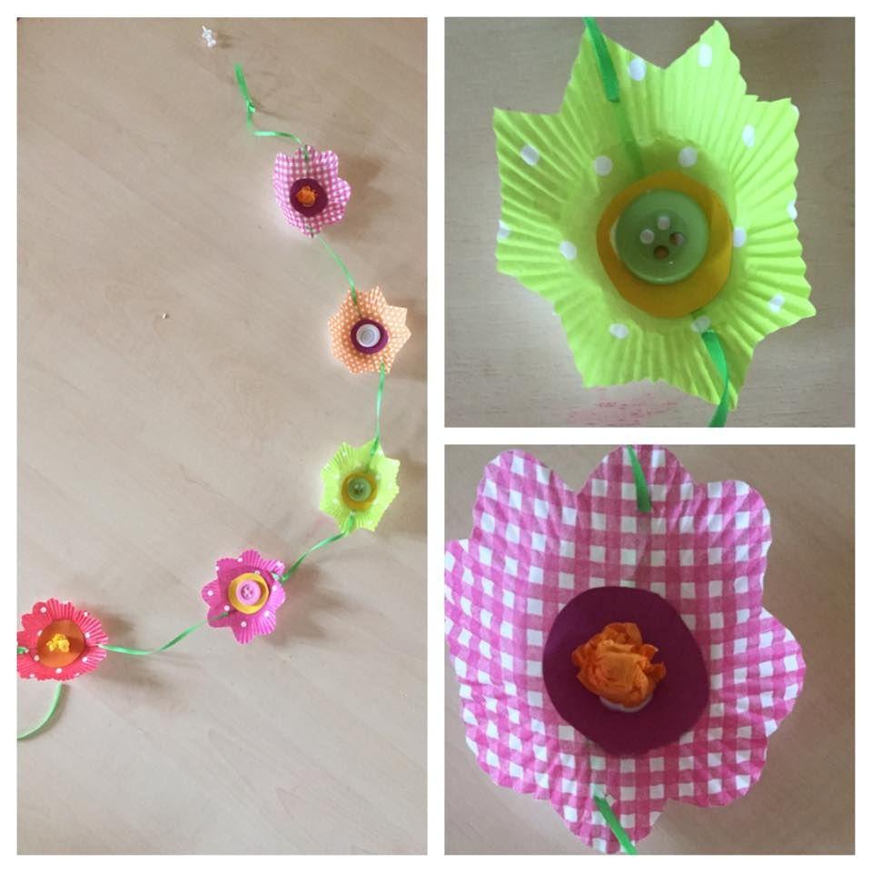 Cupcake-Förmchen Blumengirlande