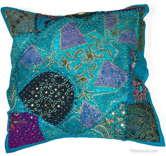 Boho oreiller oreiller Bohème brodé par TribeAzureFairTrade sur Etsy