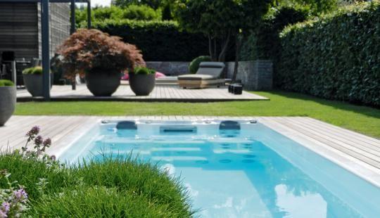 feng shui at its best die dielen der terrasse und die umrandungen von swimspa und whirlpool. Black Bedroom Furniture Sets. Home Design Ideas