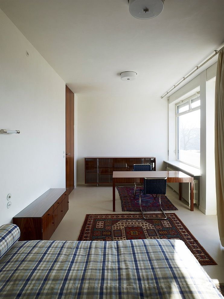 Villa Tugendhat by Ludwig Mies van der Rohe Bed in