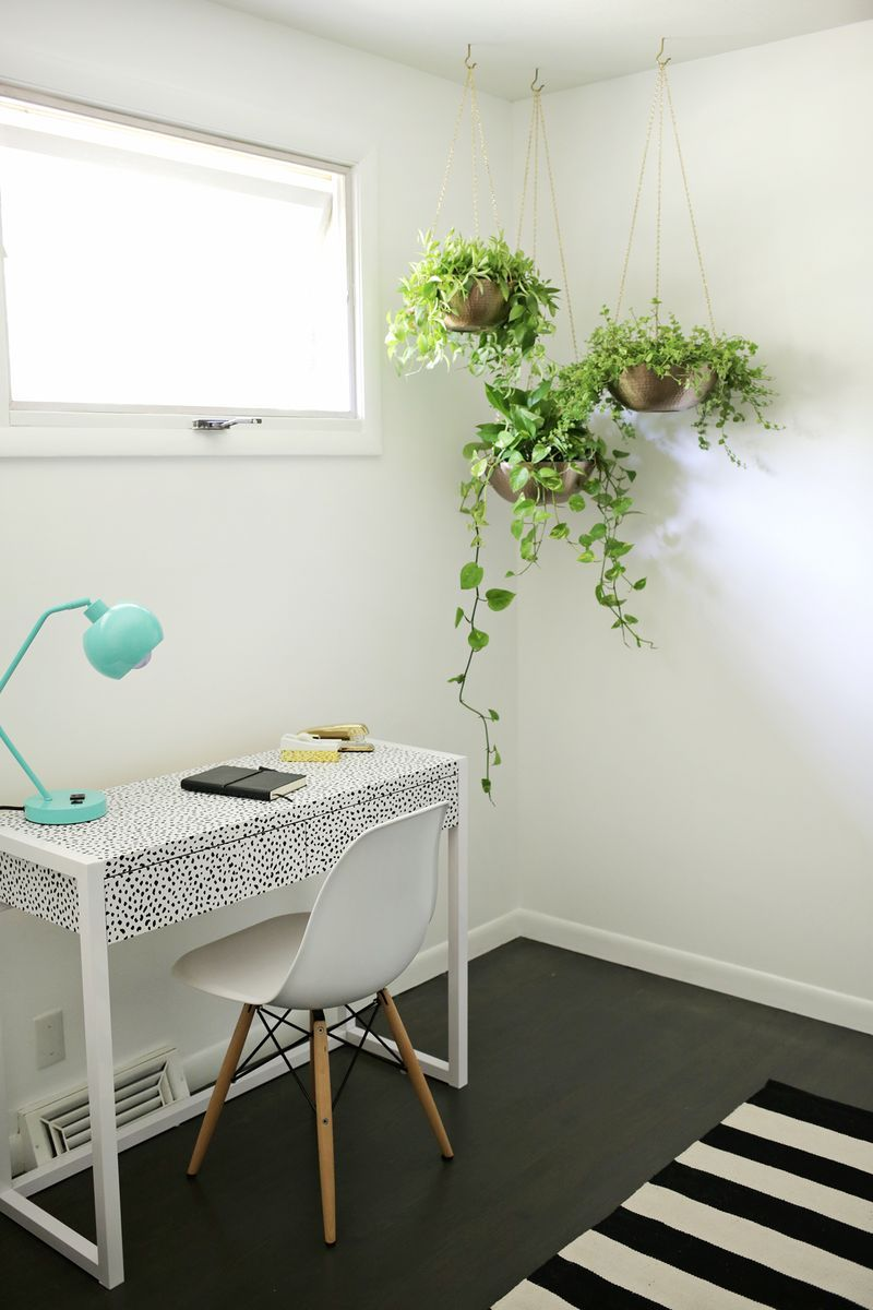 Easy Hanging Planter DIY is part of Living Room Plants Vines - Sometimes when you move from one space to another, you realize how much (or how little) you really