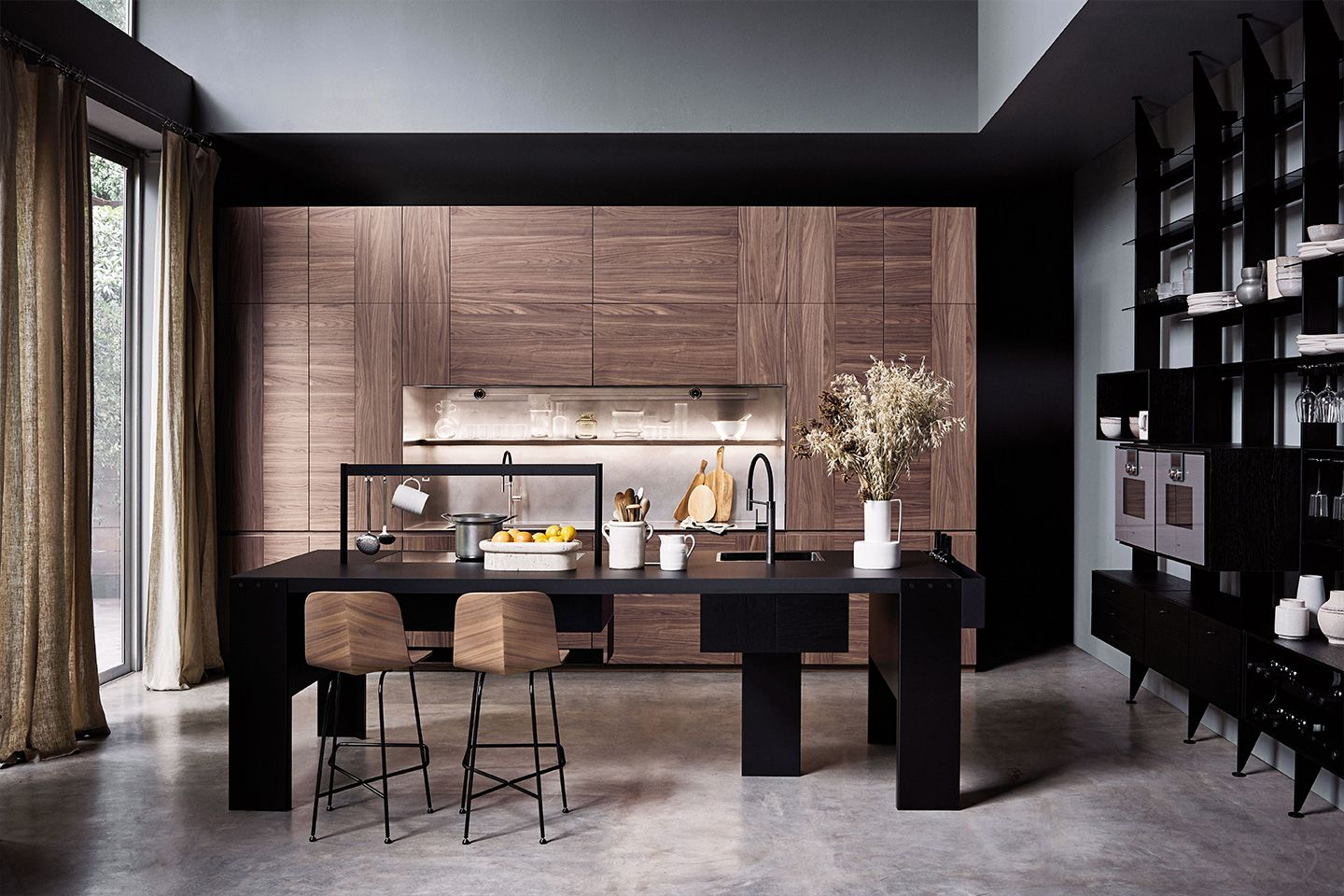 A Kitchen That Thinks Outside The Standard Lines In 2020 Wood Kitchen Furniture Italian Kitchen Cabinets
