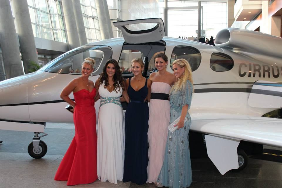 Our ladies looked lovely at this years Jimmy V Golf Classic dinner - and had a GREAT TIME!  #VFoundation #jimmyvgolf