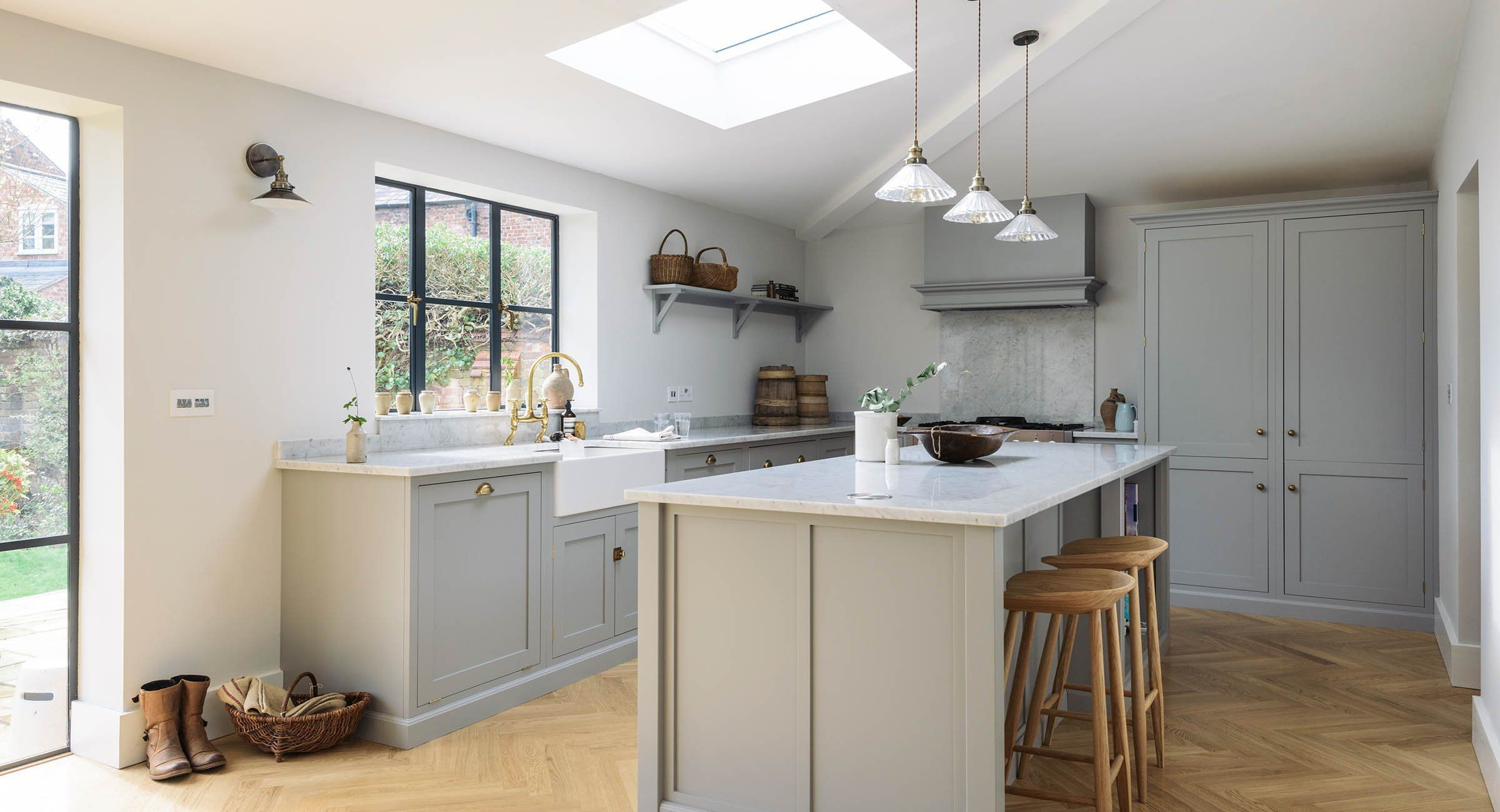 Shaker Kitchens By Devol Handmade Painted English Kitchens In 2020 Kitchen Decor Uk Shaker Kitchen Shaker Style Kitchen Cabinets