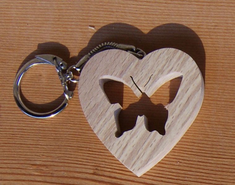 porte clef animaux en bois porte clef coeur et papillon. Black Bedroom Furniture Sets. Home Design Ideas
