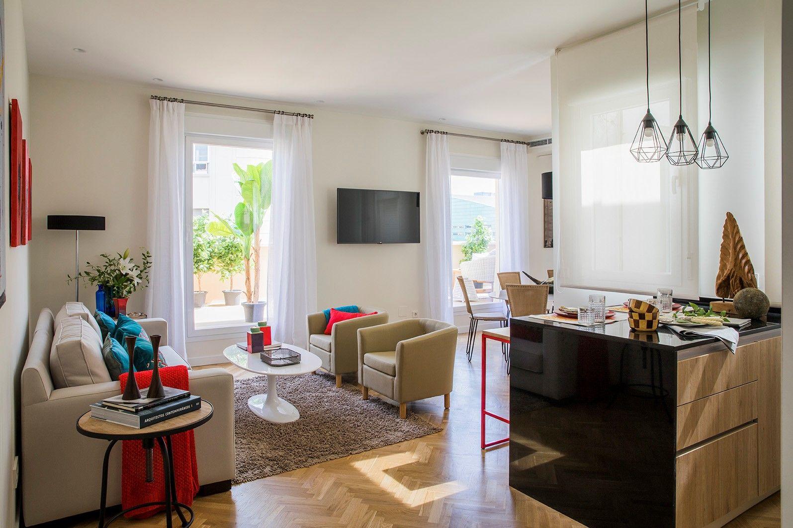 Gran Salon Comedor Con Cocina Incorporada Con Un Diseno Moderno Y Funcional Apartamento Jorge Juan I Home Decor Home Decor