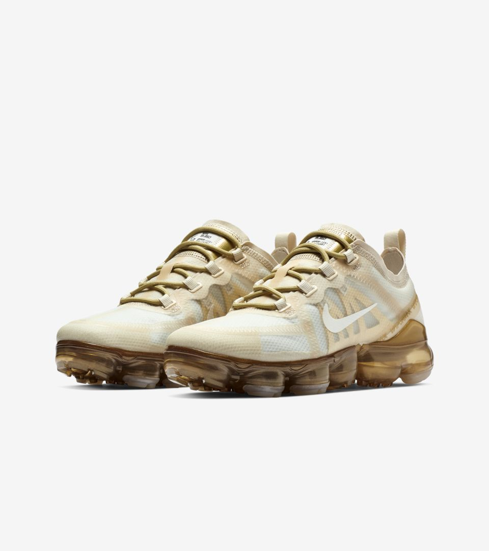 7ce1f2cdfea3 Explore and buy the Women s Nike Air Vapormax 2019  White   Metallic Gold .  Stay a step ahead of the latest sneaker launches and drops.