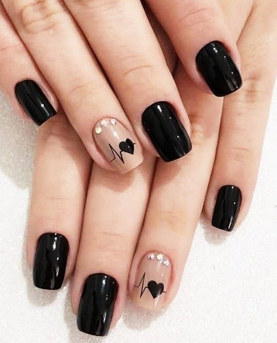 Pin By Mere On Perfect Nails Design Black Nail Designs Heart