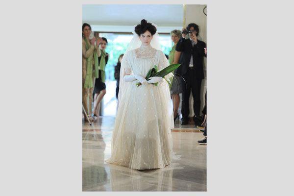 Come realizzare una sfilata di abiti da sposa d epoca