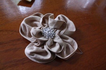Easy DIY Fabric flower - use for hair decoration, pin, or anything...