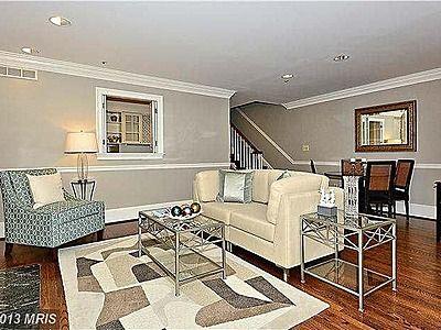 454 S Union St Alexandria Va 22314 Zillow Hamptons Style Bedrooms Blue Master Bedroom London Living Room