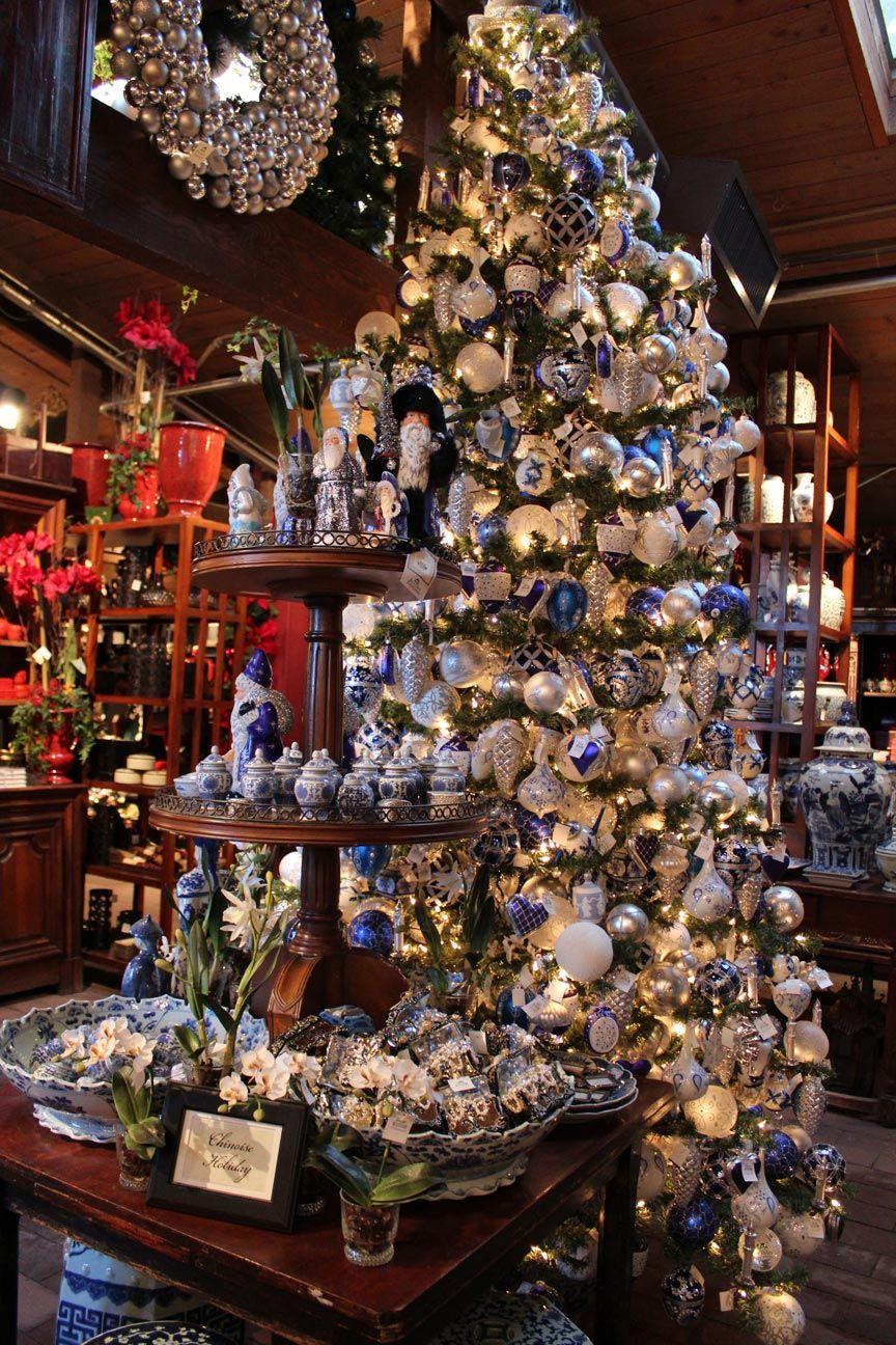 Roger's Gardens Christmas store displays, Christmas
