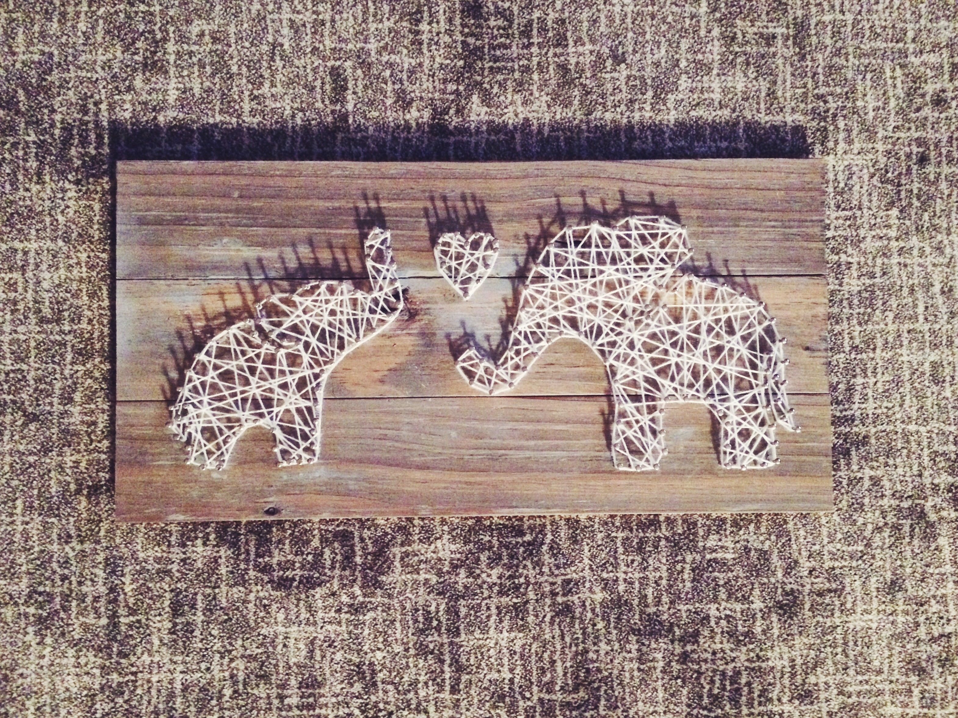 String and nail art for a nursery. Momma and baby elephant. #DIY ...