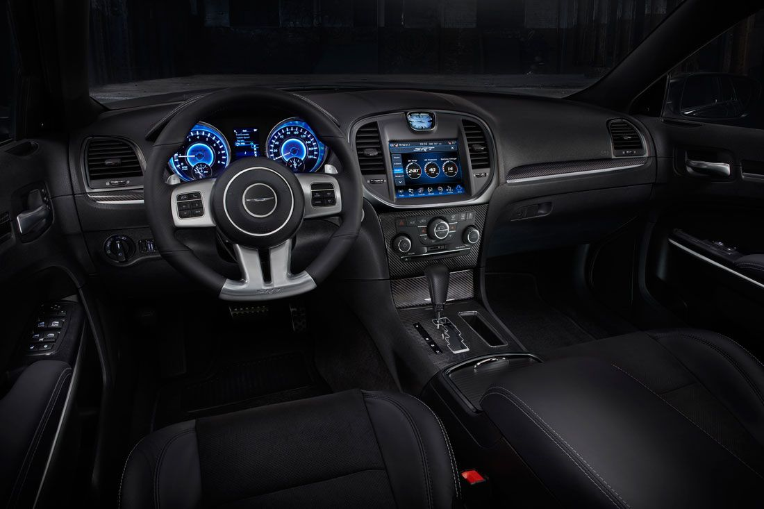 2013 chrysler 300 srt8 interior