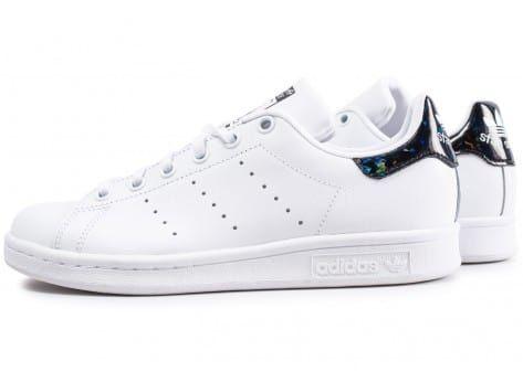 sports shoes 8756c 8fce5 Chaussures adidas Stan Smith junior blanche et noire iridescent vue  extérieure