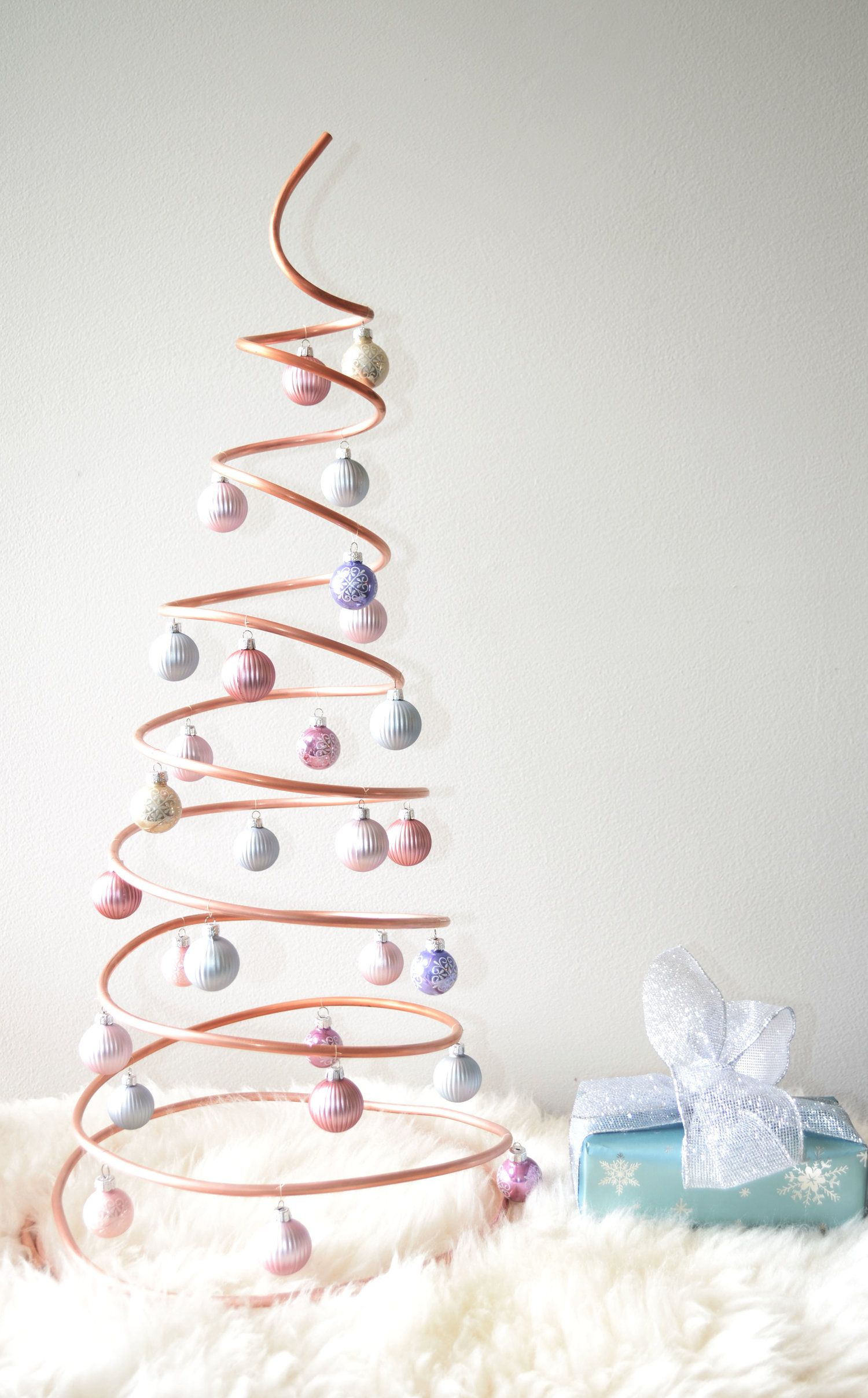 Diy spiral christmas tree spiral christmas tree spiral and diy spiral christmas tree solutioingenieria Image collections