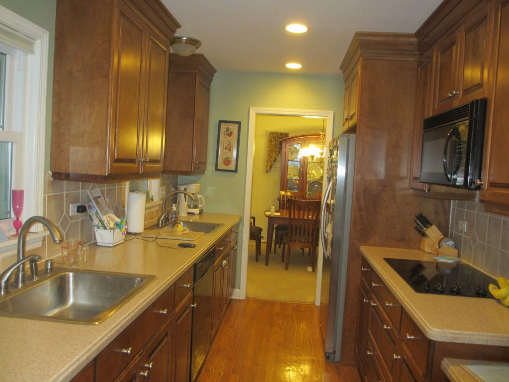 Small Galley Kitchens | ... Gurus: 2 sinks in small galley kitchen ...