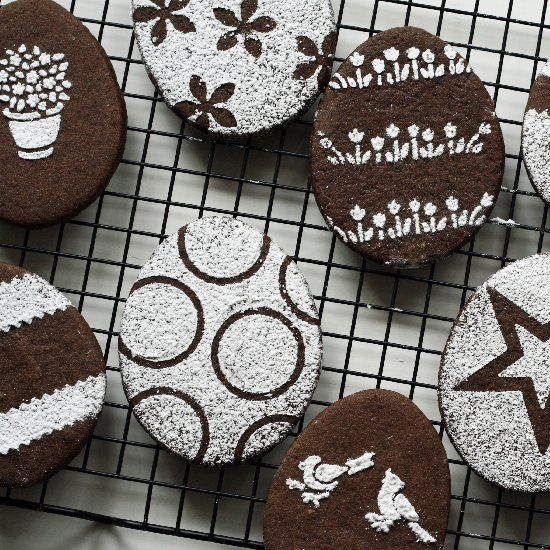 Use Stencils And Powdered Sugar To Decorate Chocolate Sugar