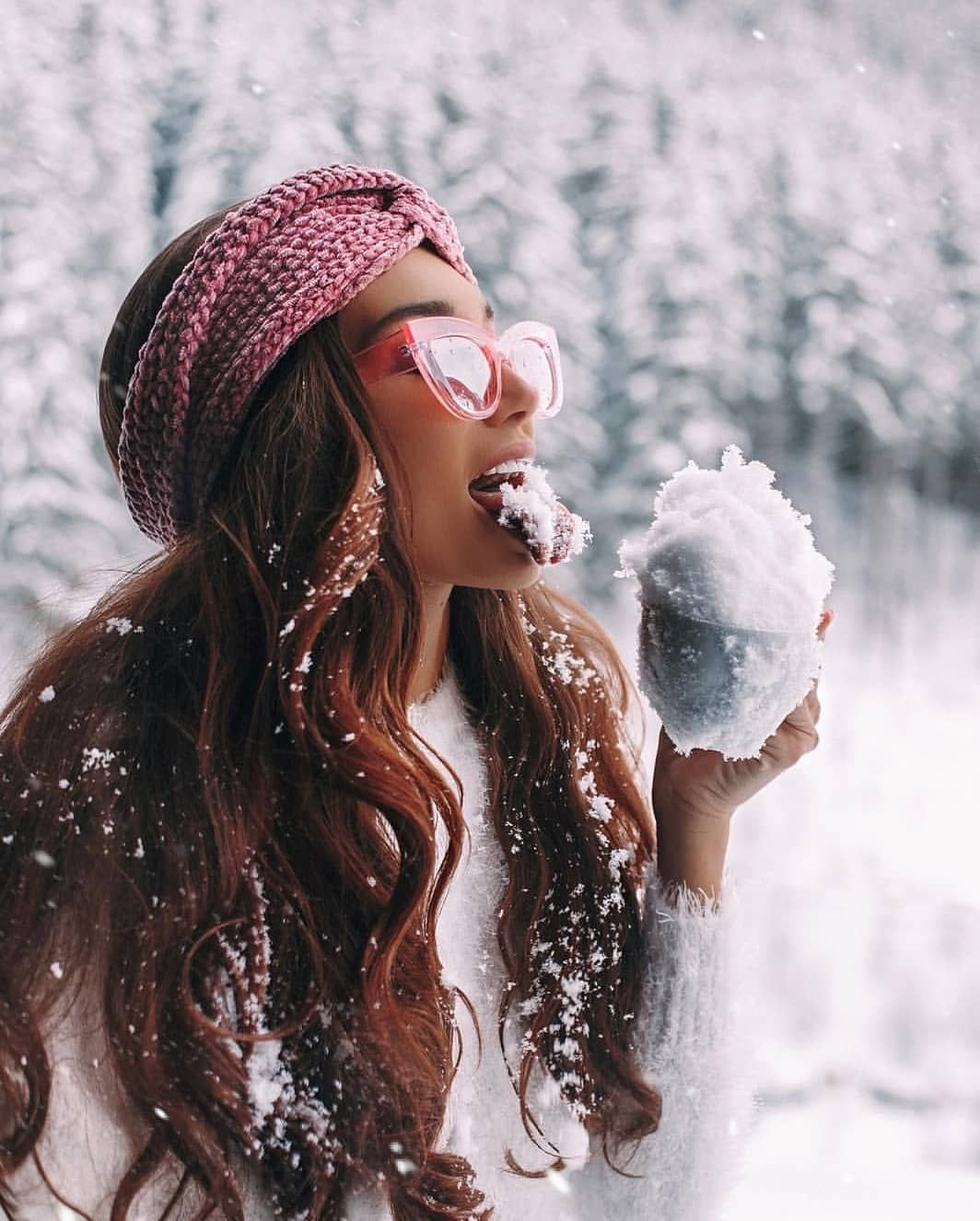 "The Fashion Vibe on Instagram: ""Eating snow? Sure❤Tag a friend . . . . . . . . . . . . . . #thefashionvibe #fwis #springlook #looksgood #fashionistastyle #urbanstreetwear…"" #campingpictures"