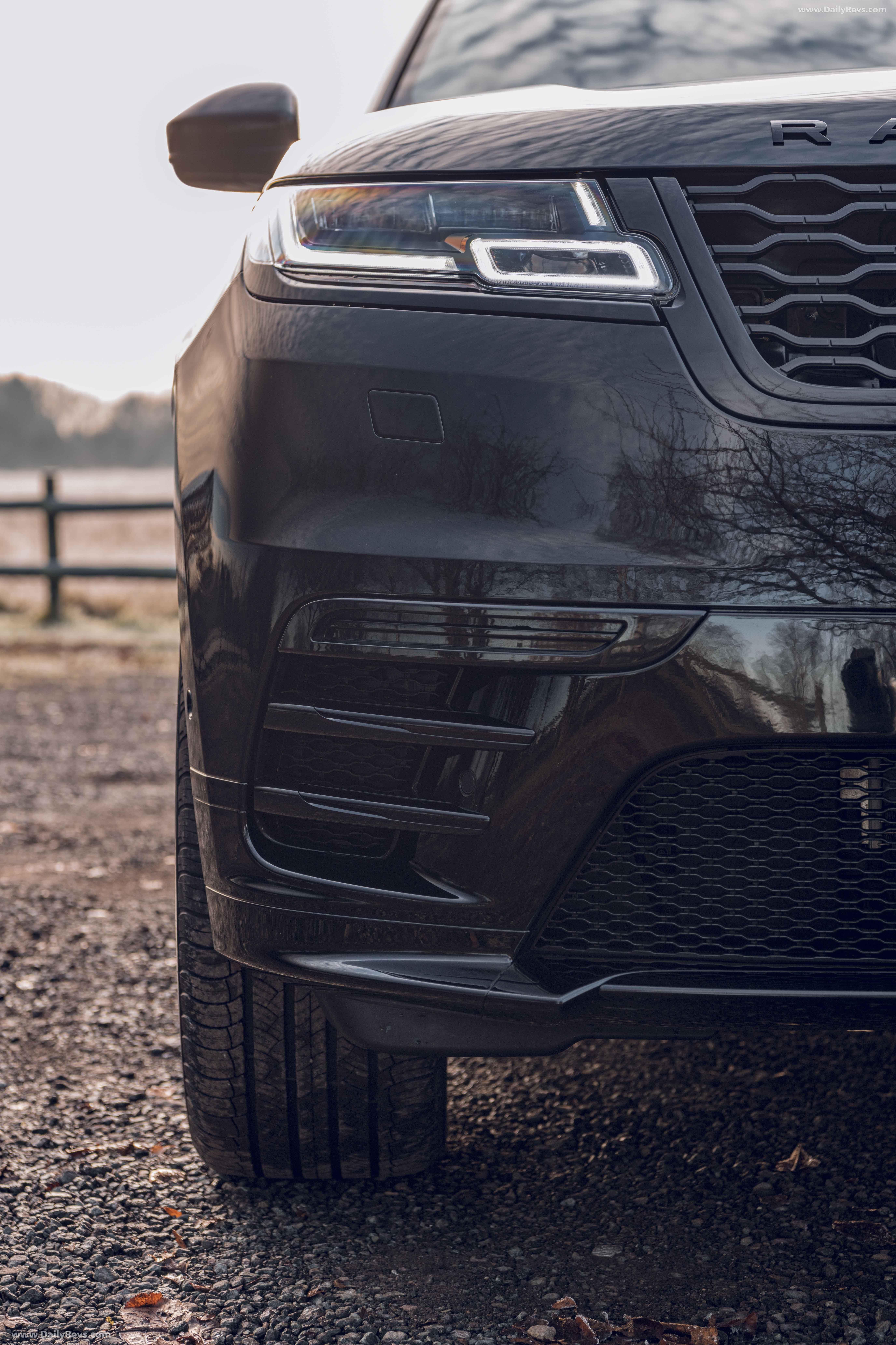 2020 Land Rover Range Rover Velar R Dynamic Black Dailyrevs Com Range Rover Black Range Rover Velar Luxury Cars Range Rover