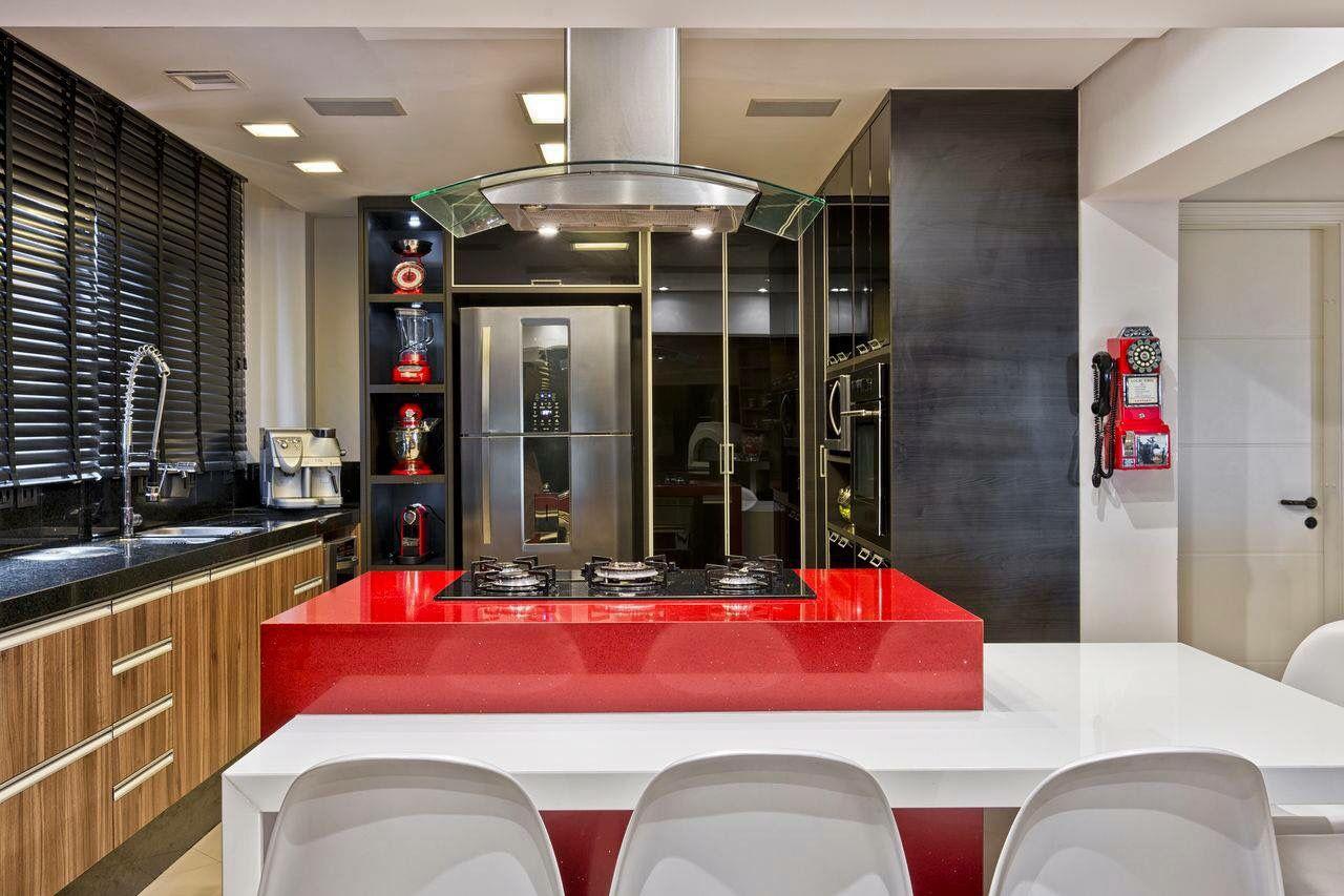 Cozinha Ilha Em Destaque Pelo Uso Do Silestone Eros Stellar Com A