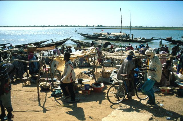 Collections     A Journey to Mali   Market   Archnet