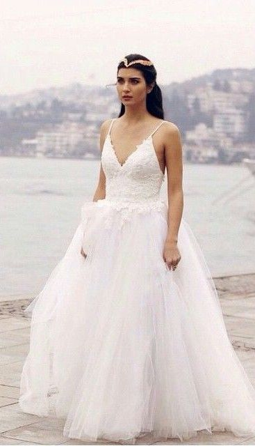 Tuba Buyukustun Turkey Sleeveless Wedding Dress Wedding