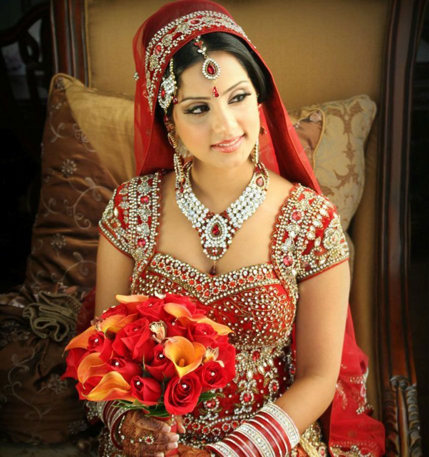Almari isn\'t your typical Vancouver/Toronto South Asian clothing ...