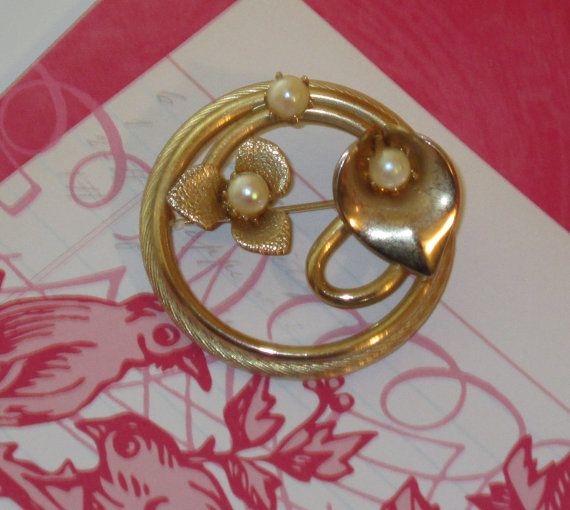 Vintage 1980s Round Goldtone Calla Lily and by RitasGarden on Etsy, $13.50