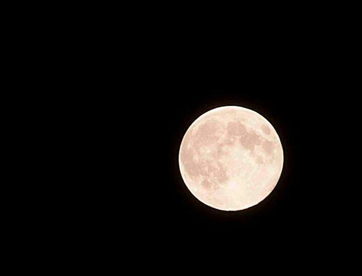 La lluna a les 12 de la nit a casserres