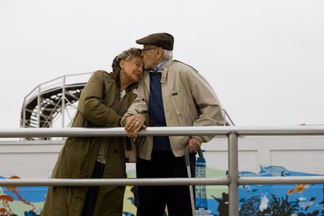 Envelhecendo juntos sem esquecer os beijos que os aproximaram