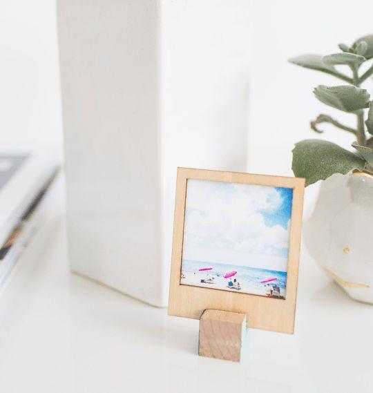 Marcos DIY Polaroid con soporte   Knowmad Design   Marcos para fotos ...