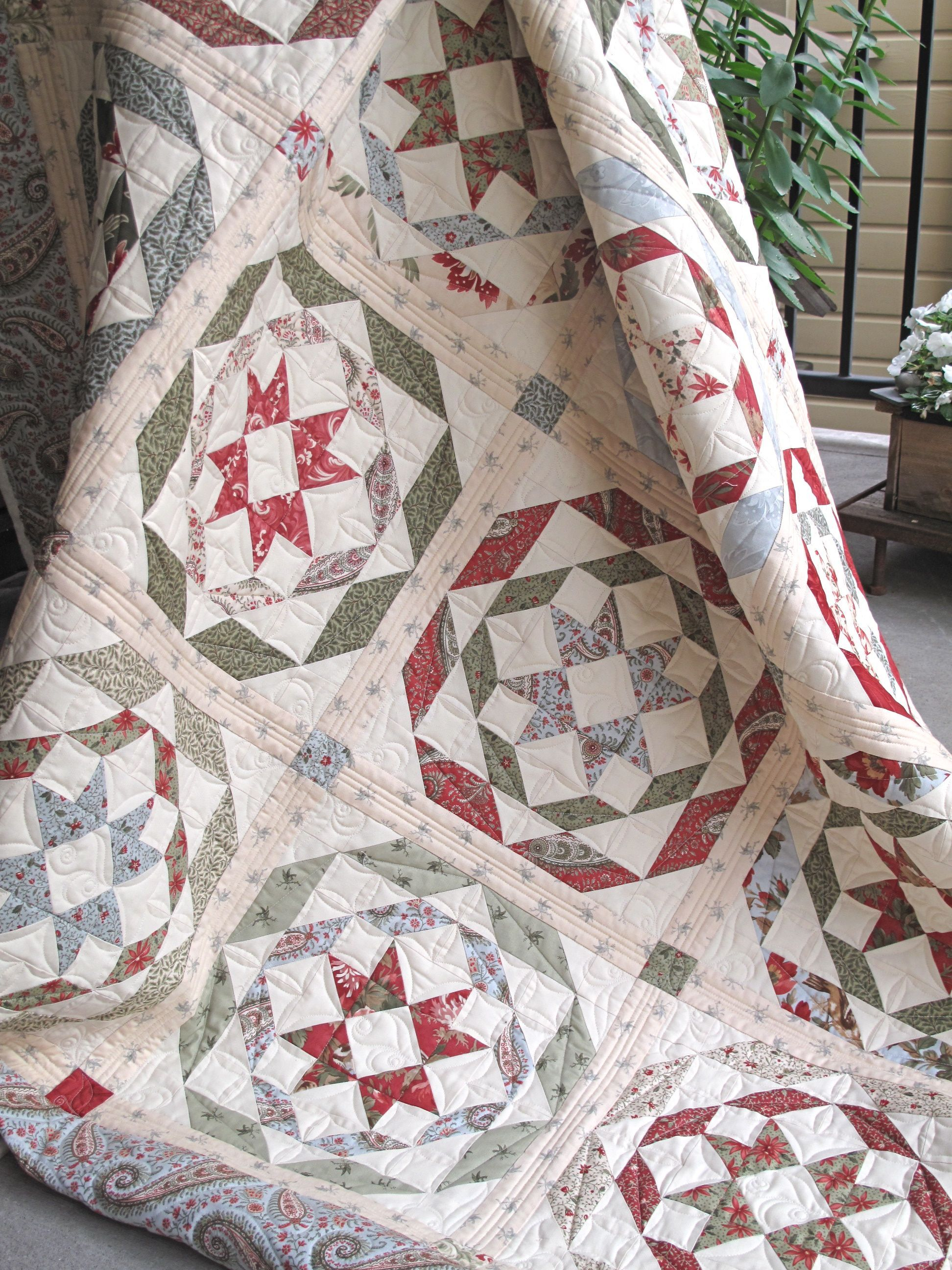 Have you seen Rosettes? Our classic and vintage Christmas quilt ... : vintage christmas quilt - Adamdwight.com
