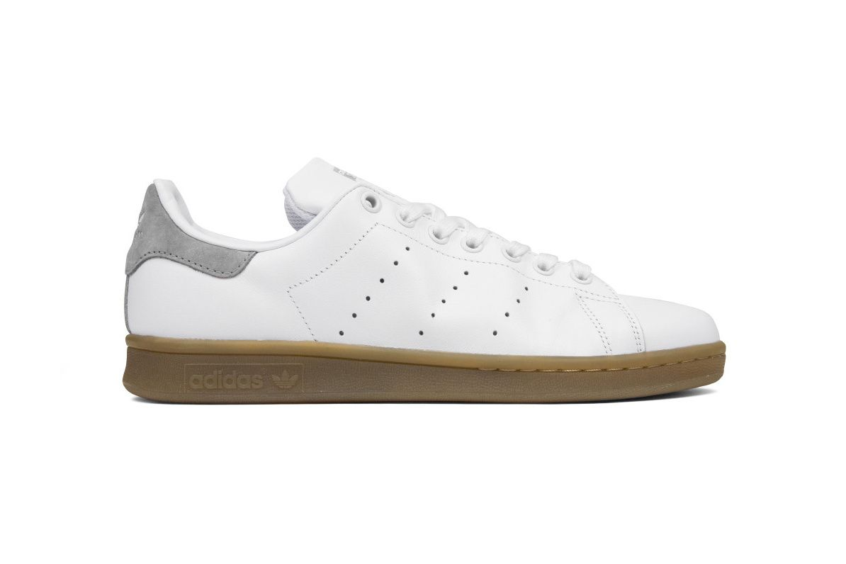 adidas Drops More White/Gum Stan Smiths