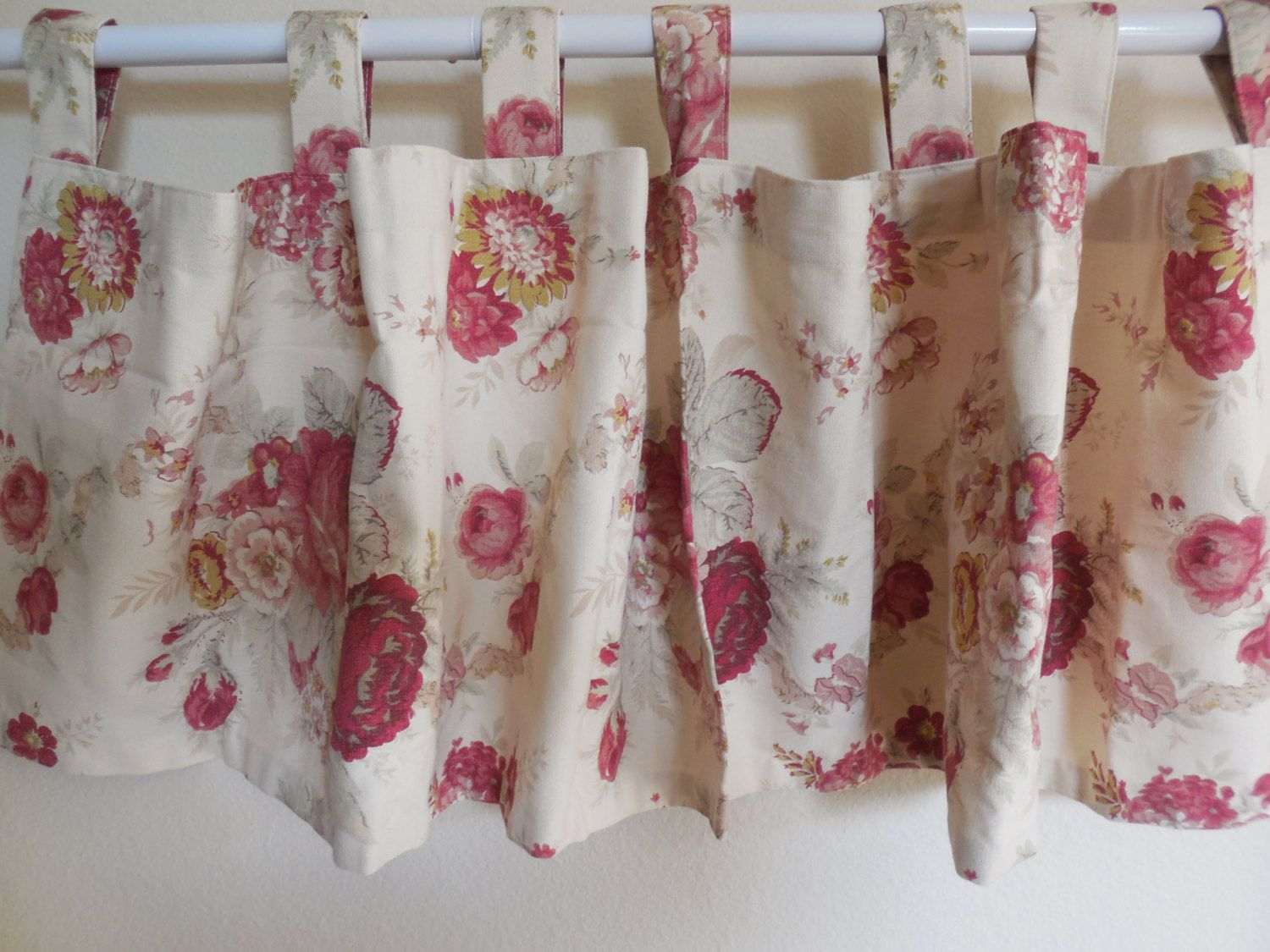 Beautiful WAVERLY Garden Room Vintage Norfolk Rose TabTop Valance Cottage Garden  Roses By BeautyFromThePast On Etsy