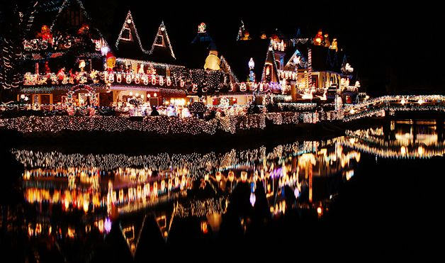 7 Of The World S Most Decked Out Christmas Houses Christmas Decorations For The Home Outdoor Christmas Outdoor Christmas Lights