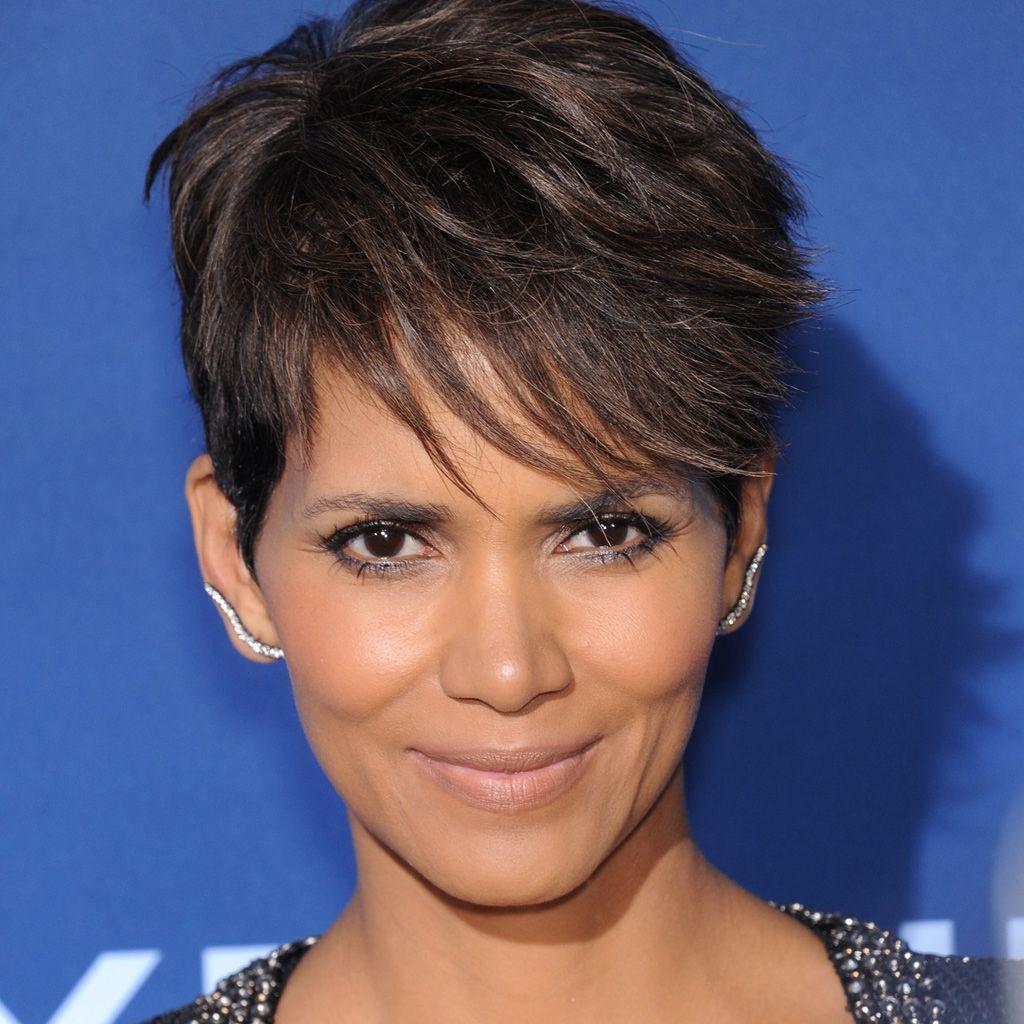 short-hair-for-women-over-40-round-face